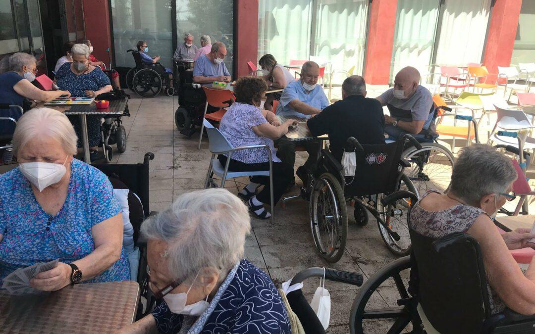 Juegos de mesa en Residencia de ancianos sevilla CER ESpartinas